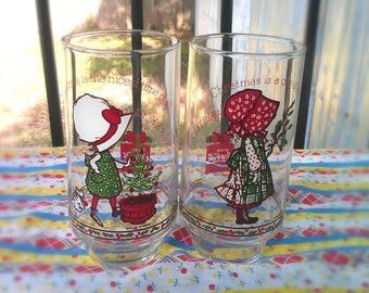 Holly Hobbie 2 Coca Cola Christmas Glasses 1982-Cups Vintage