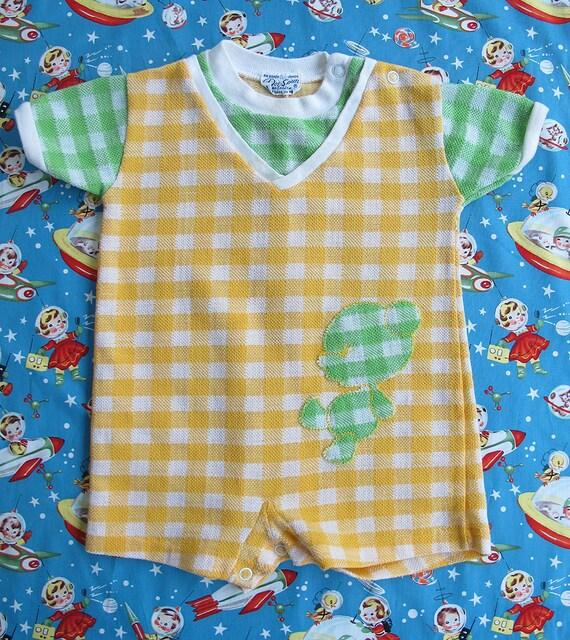 70s Doe-Spun Green & Yellow Plaid Bear Applique Infant Baby Boy Onesie, Size 6 to 18 Months