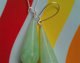 Vintage Lucite Italian Green Marbleized Teadrop Beaded Earrings with Silver-Plated Kidney-Shaped Earwires