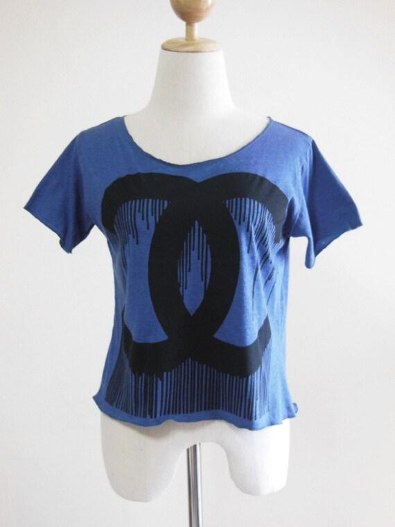 Crazy Brandname Design Art Style Shirt Dark Blue T-Shirt Crop Top Tee Screen Print Size S