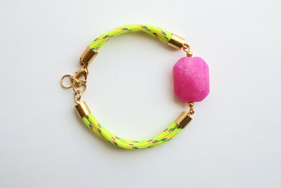 Neon bracelet with hot pink faceted gemstone