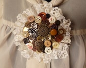 Shades of brown buttons corsage brooch