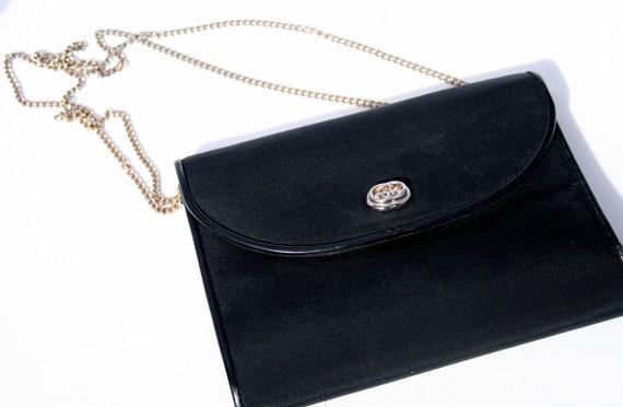 Vintage Gucci Chain Shoulder Bag or Clutch, Mint Condition, Simple but Elegant