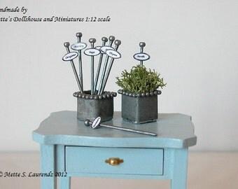 Dollhouse Garden Plant Tags 1:12  - Oval  'Enamel & Zinc'  - 7 different herbs - ENGLISH TEXT (PT1)