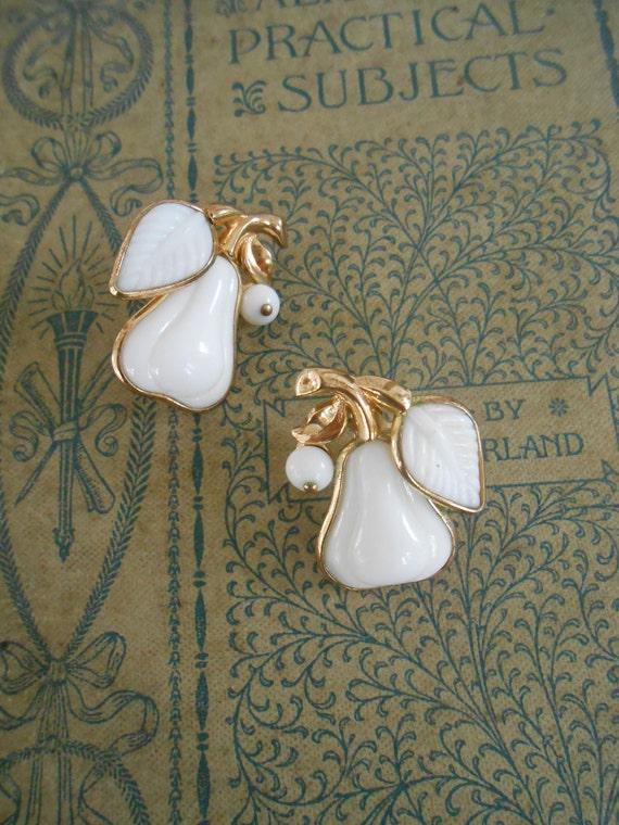 Trifari Alfred Phillipe Gold Toned Milk Glass Pear Earrings