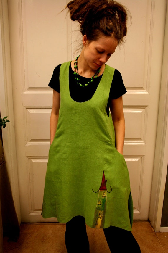 TaskuTarina -dress in lime green with house and kite