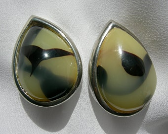 Chunky Teardrop Shaped Mottled Polymer Stone Clip On Earrings - Unsigned - Vintage 1960- 1980