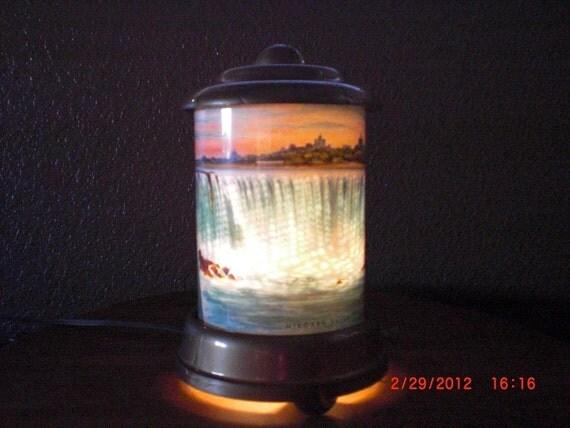 1950 A. B. Leech motion lamp