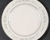 Noritake Ivory China - Heather Dinner Plate