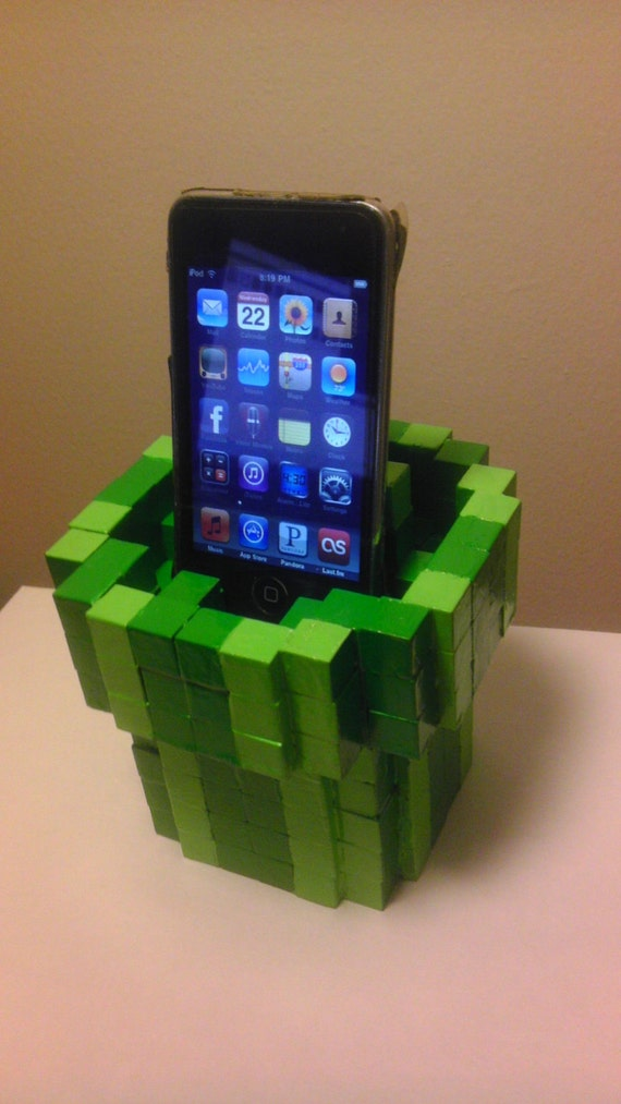 8-bit Warp Pipe Cell Phone Dock