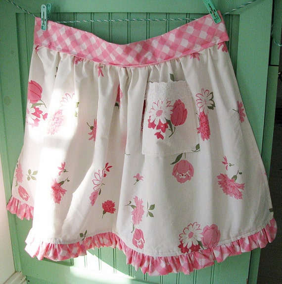 NEW apron of VINTAGE pink flowers fabric ruffle checks gift shabby chic NWT ooak retro cottage gift