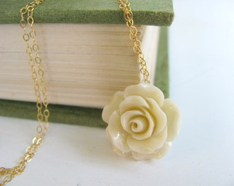 Flower necklace, gold necklace, Bridal necklace, bridesmaid gift, wedding jewelry, romantic necklace, gift for her