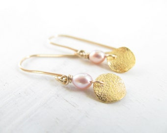 Disc earrings, gold Pearl earrings, bridal earrings, weddings, wedding jewelry