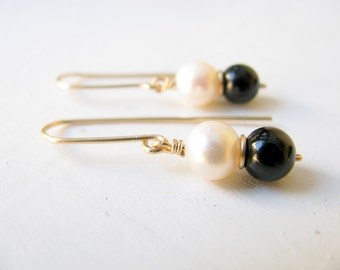 Black Onyx earrings, pearl earrings, gold earrings, black and white, bridal earrings, classic, elegant earrings, wedding jewelry