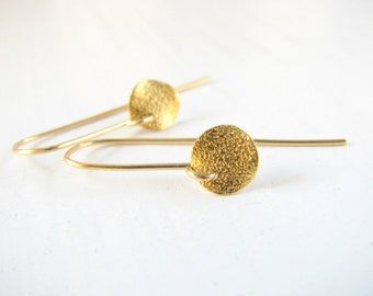 Gold disc earrings, gold earrings, simple gold earrings, minimal, bridesmaid earrings, bridal jewelry, bridal shower, gold fill