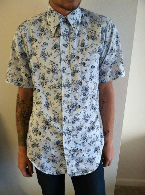 Men's floral button down shirt. Vintage Career Club size