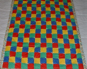 Baby quilt primary colors, crib quilts, hand tied quilt, tied quilt, Amish baby quilt, country patchwork,patchwork baby quilt,primary color