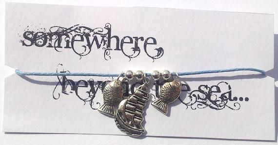 Somewhere, beyond the sea... Friendship bracelet on waxed cotton cord