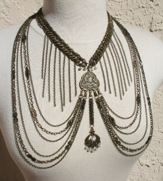 Brass Flapper - metal chain 20s style necklace