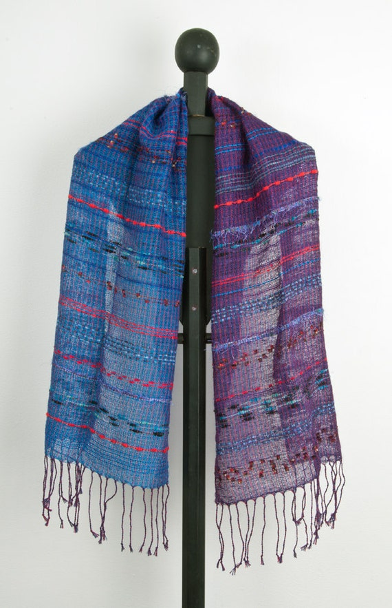 Hand woven scarf in Blue to Purple (0007)