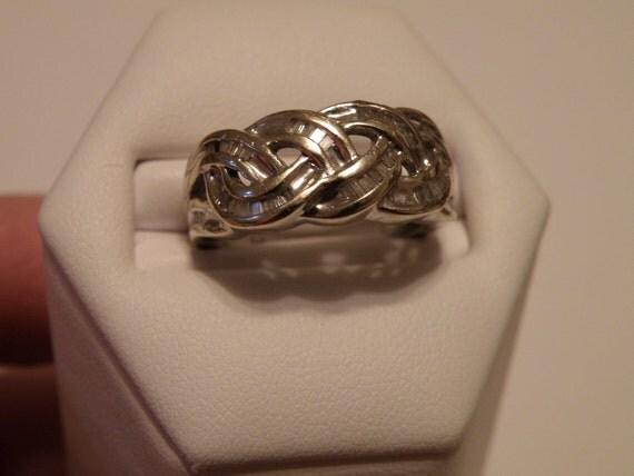 14K White Gold Diamond Ring - size 7 1/4 U.S.