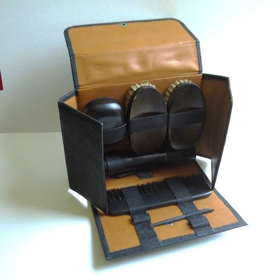 SALE Vintage Man Grooming Kit Travel case