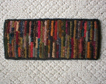 Very Prim Hit or Miss Folkart Runner  Beacon Hill Collectibles Primitive Hooked Rugs