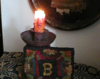 PrimiTive Folkart  Initial Hooked Hit or Miss Rug  From BeaconHillCollectibles Primitives Boston