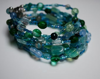 Shades of Sea Glass: Bracelet in blues and greens.