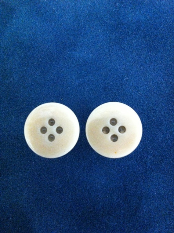 4g  Threaded button plugs