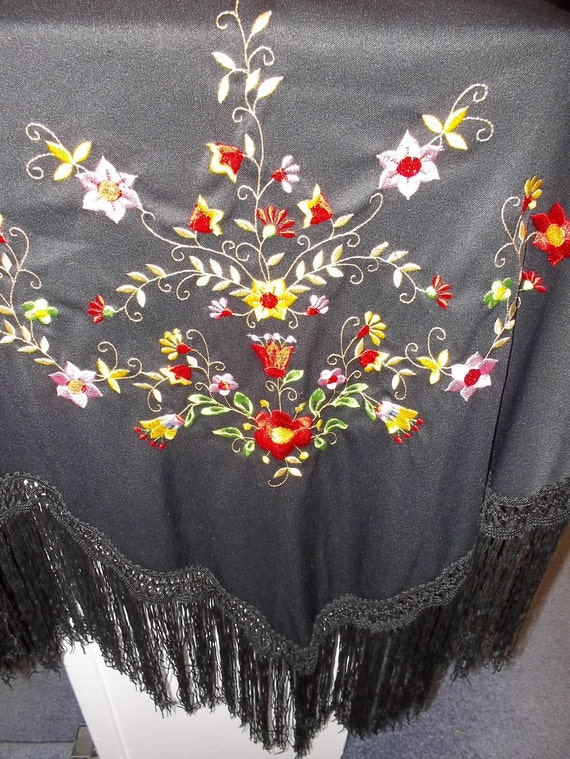 Vintage Floral Piano Shawl // Victorian Shawls // Embroidered Scarves // Flamenco Inspired // Roaring 20s Apparel