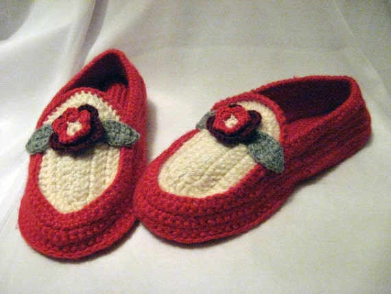 Hand crochet house slippers in red and white with flower