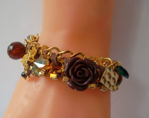 Golden Chain Bracelet with Swarovski Crystal and Porcelain Flower