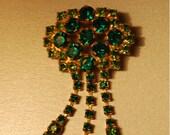 Stunning Vintage Emerald Art Deco brooch