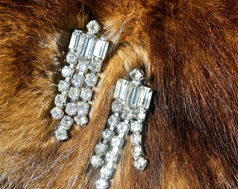 Sparkling Holiday Rhinestone Screw back Earrings: Delightful Deco Dangle/Fringe Rhinestone Earrings circa 1940s-50s