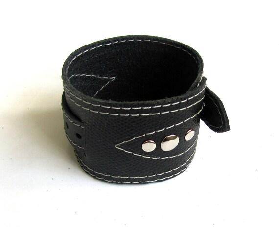 Leather bracelet, black color- Rock n roll