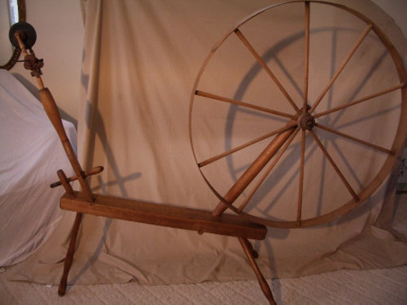 Antique Spinning Wheel 1800s, working cond