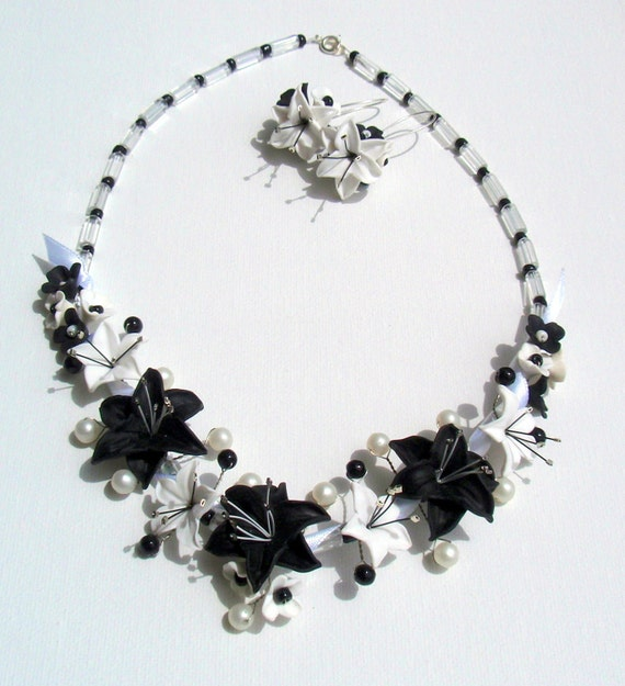 Black and white jewellery set- Domino earrings and necklace-Lily set-Fimo flower jewellery