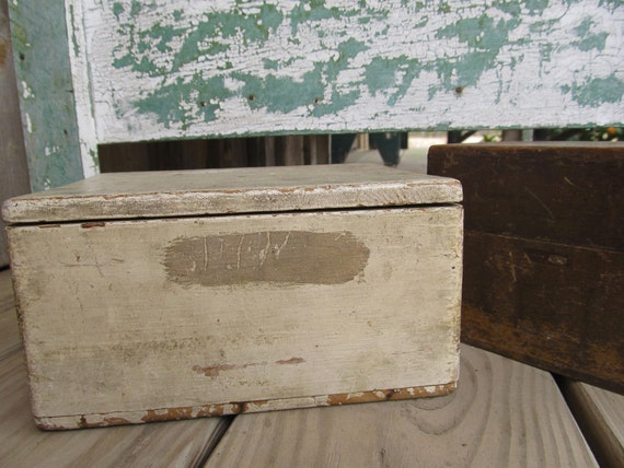 Small White Wood / Wooden Country Farmhouse Prim Primitive Shabby Industrial Hinged Box