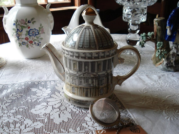 James Sadler St. Paul's Cathedral Teapot and Strainer, Made in England