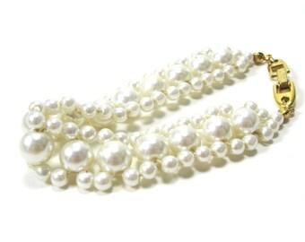 Vintage Pearl Bracelet Signed Napier Ladylike Feminine Classic