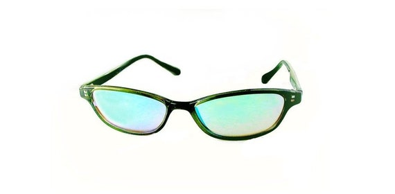 Olive Cat Eye Sunglasses with Iridescent Mirrored Lenses