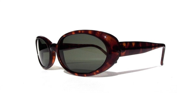 Oval Cat Eye Sunglasses, Vintage Tortoise Shell High Fashion Frames with Glass Lenses / FREE US SHIPPING