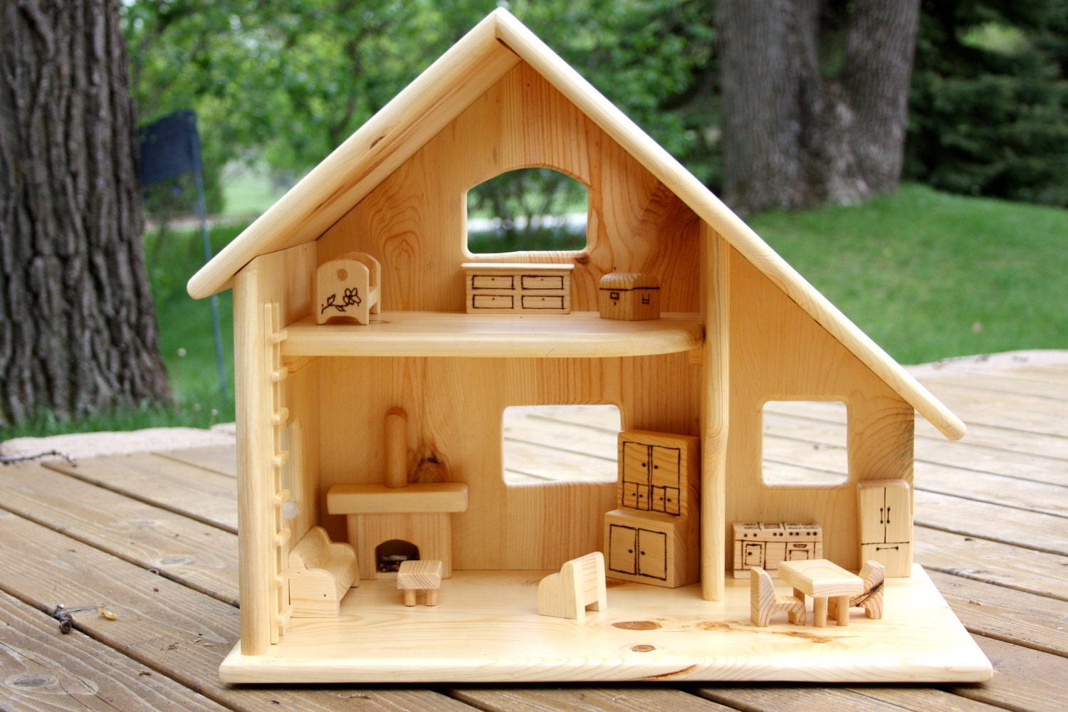 Wood doll house with furniture - Maison wooden ...