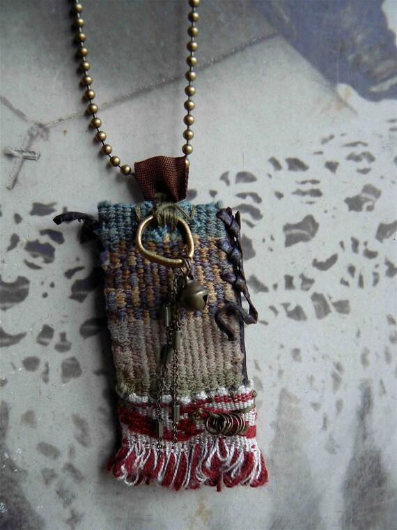 ethnic pendant: the Valley