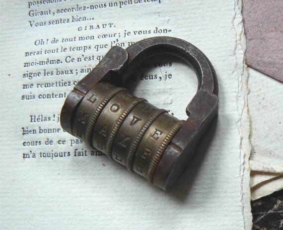cadenas à message secret   (LOVE)