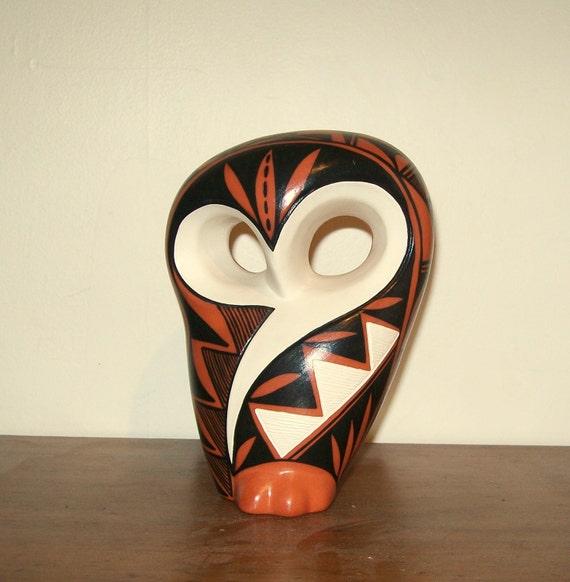 Vintage Navajo Native American Fetish Owl Figurine