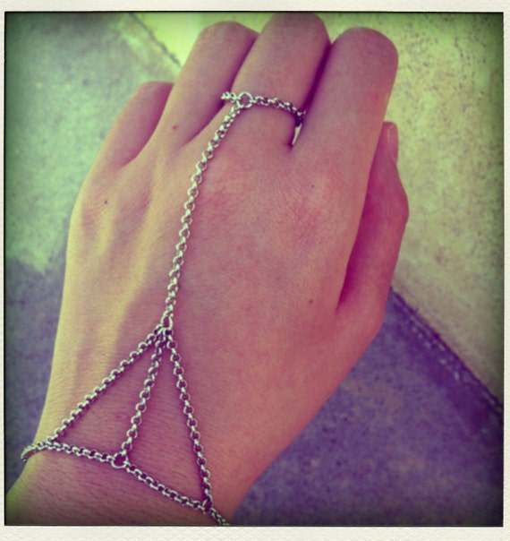 Silver Plated 3 Triangle Bracelet Ring Small Link Chain Connector Hand Piece