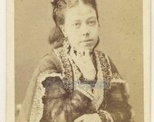3 Victorian CDV photographs of the same well-dressed lady