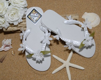 Bridal Flip Flops- Bridal Sandals- Beach Wedding- White Flip Flops- White Wedding-Decorated Flip Flops-Women Flip Flops-Flip Flops-White